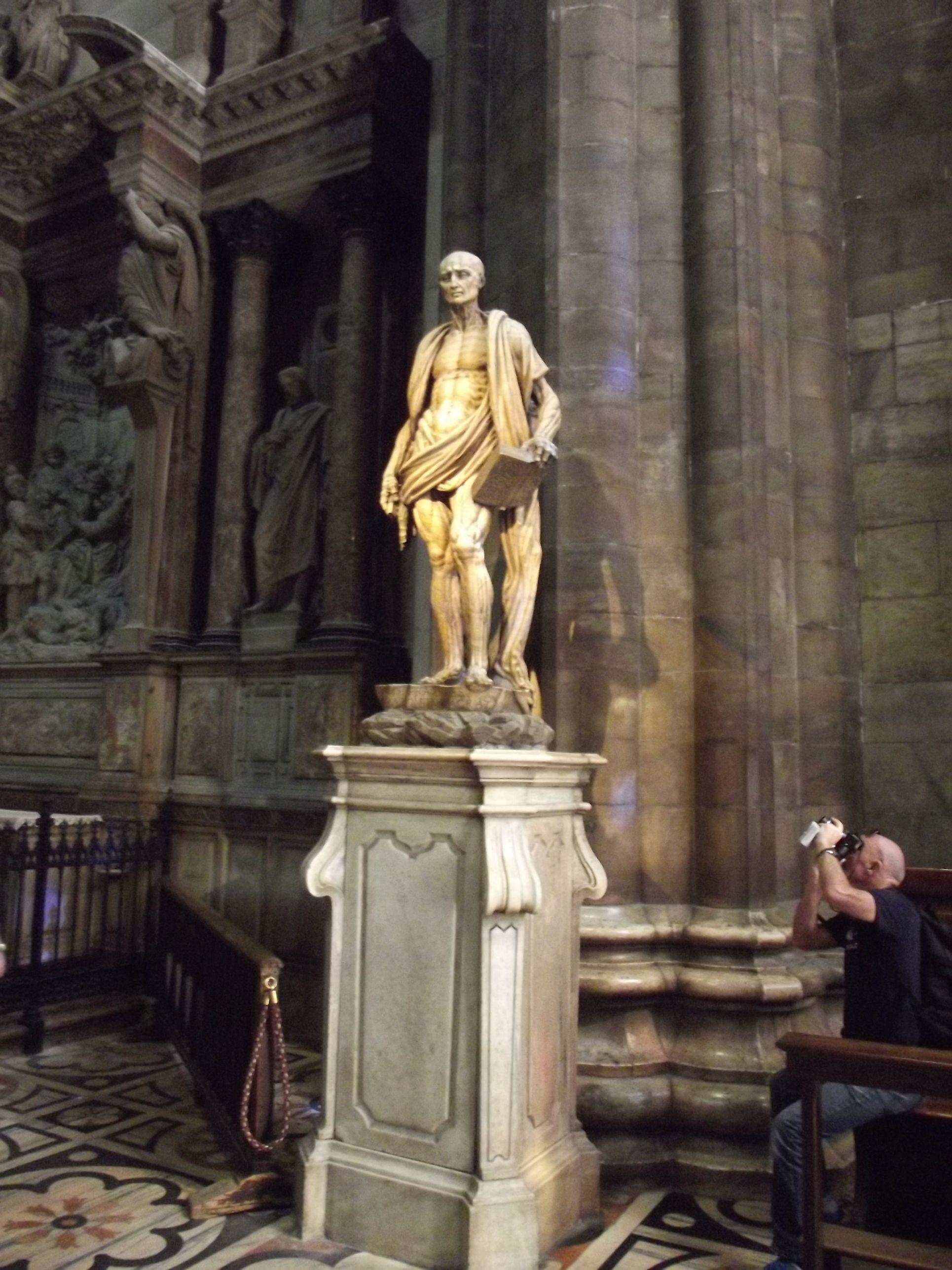 19_Szent Bertalan szobra