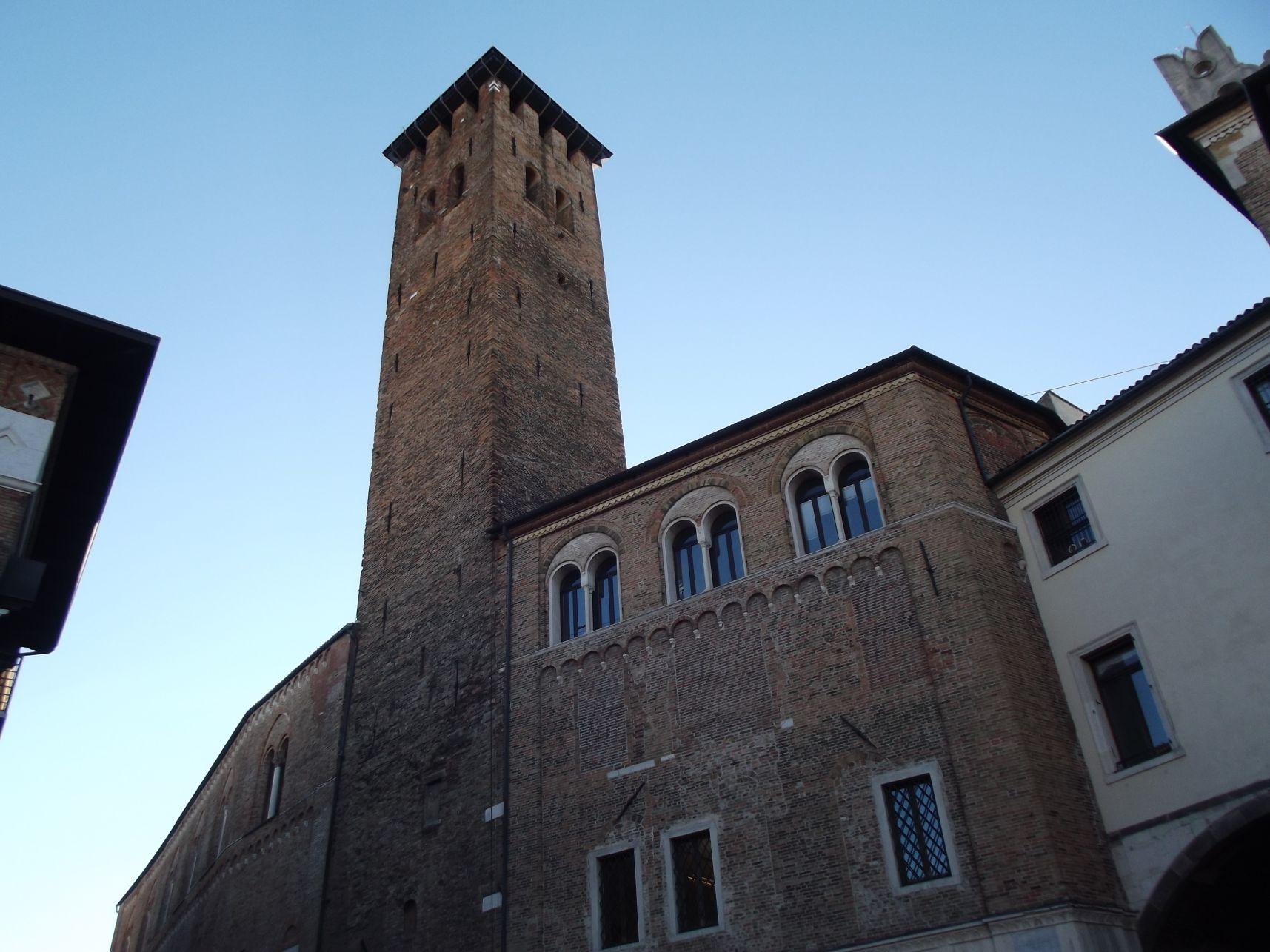 Elöljárók tornya