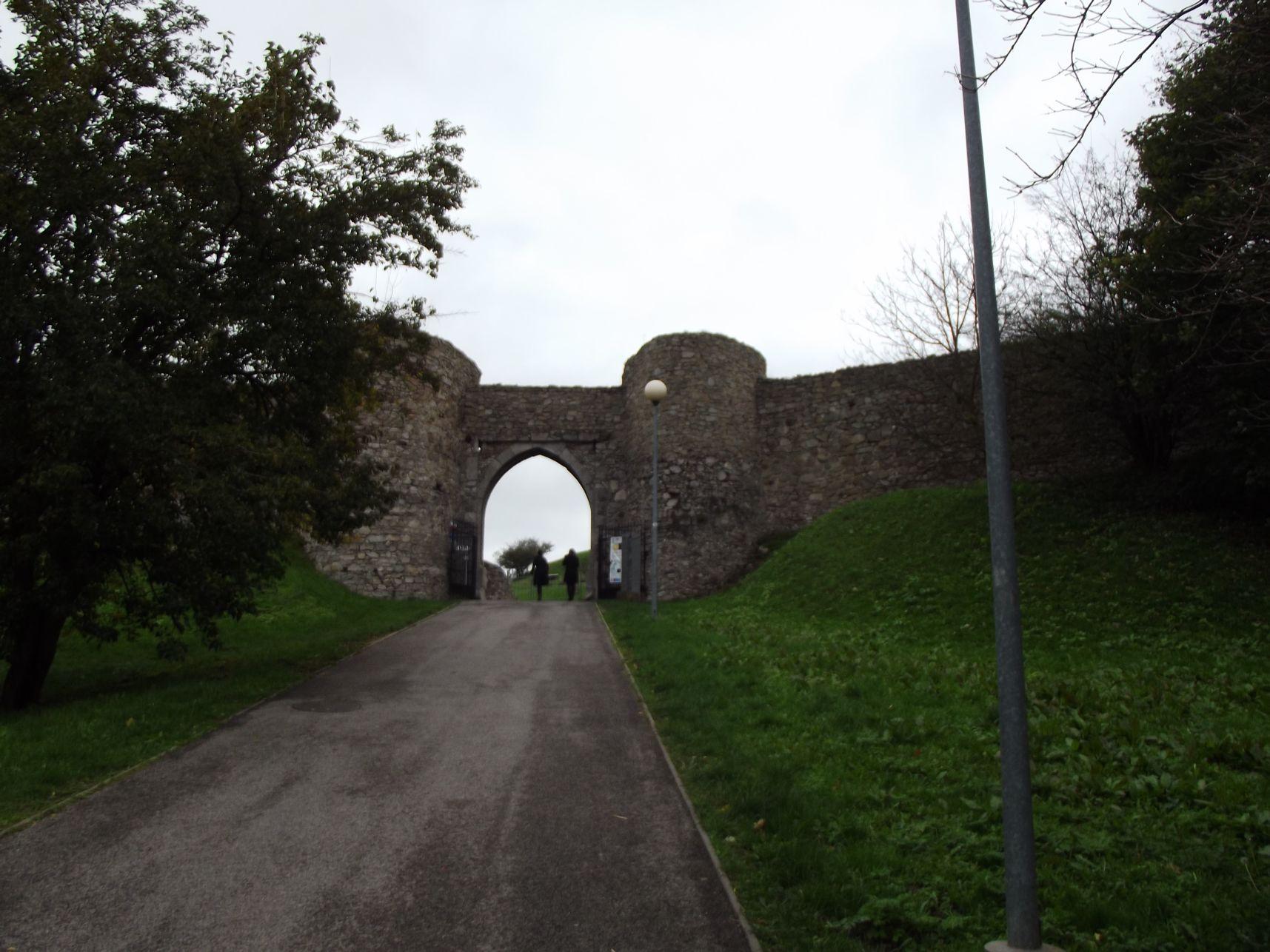 A vár kapuja