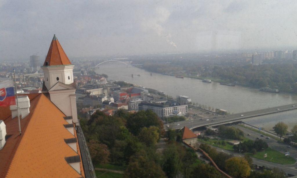 Kilátás a Pozsonyi vár Éhségtornyából