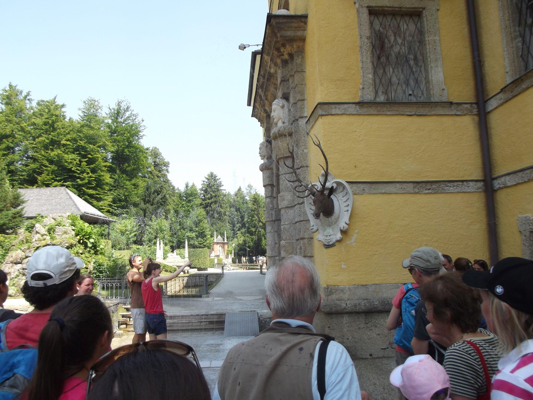 Hellbrunn, az egyik meglepetés locsolás
