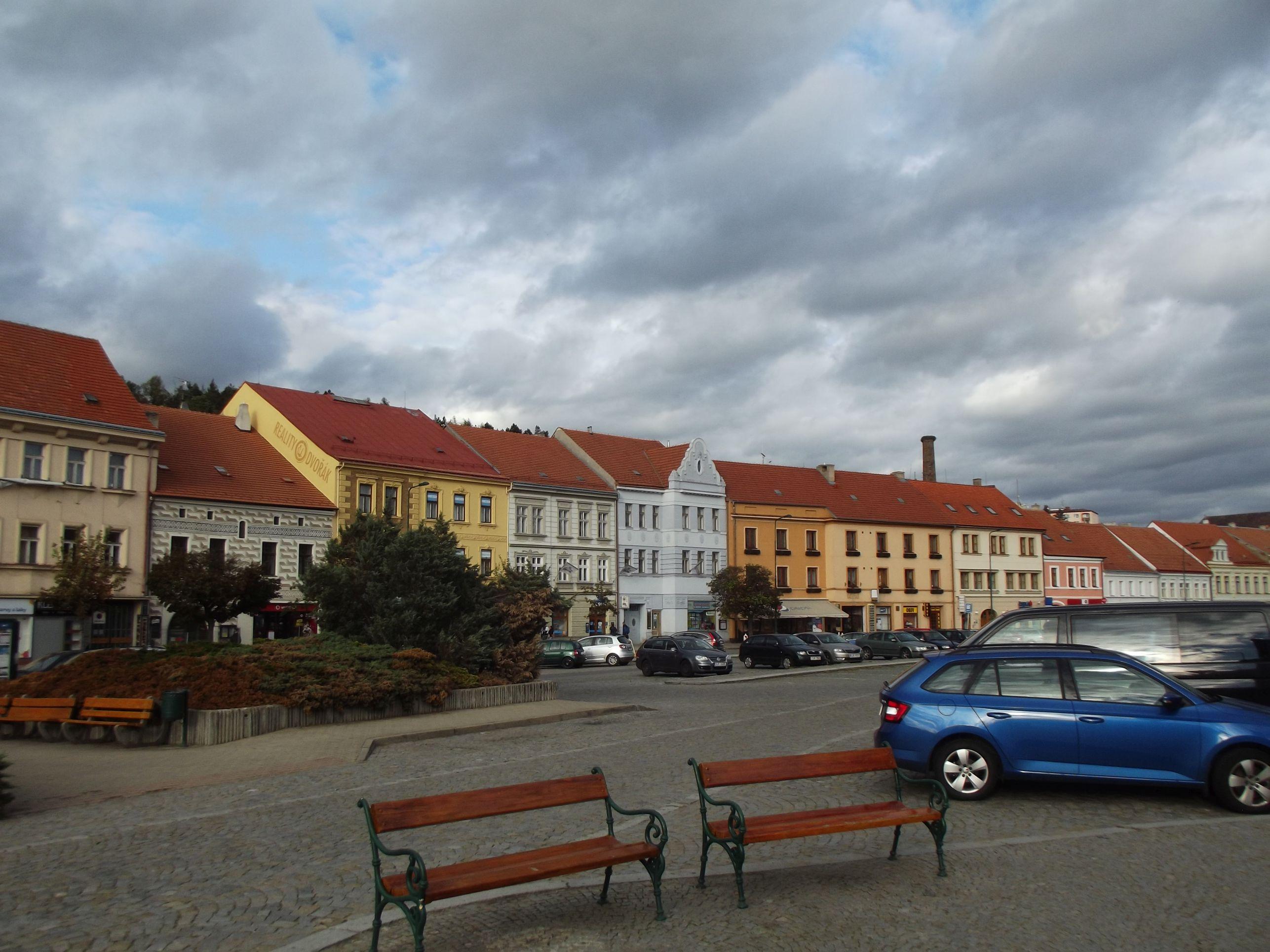 Třebič, Károly tér