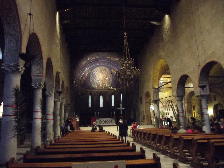 A Szent Justus templom belseje