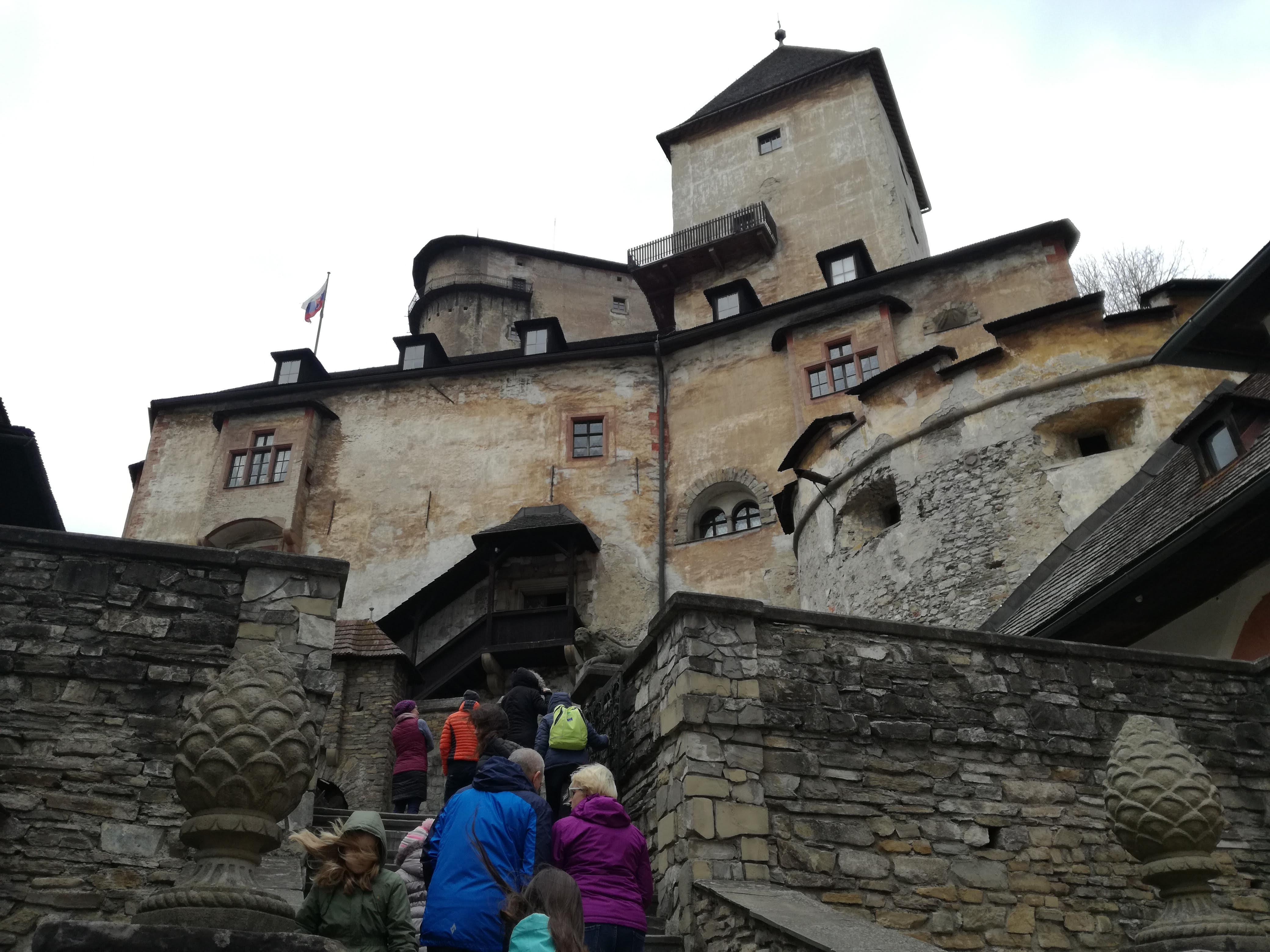 A középső vár és a lakótorony