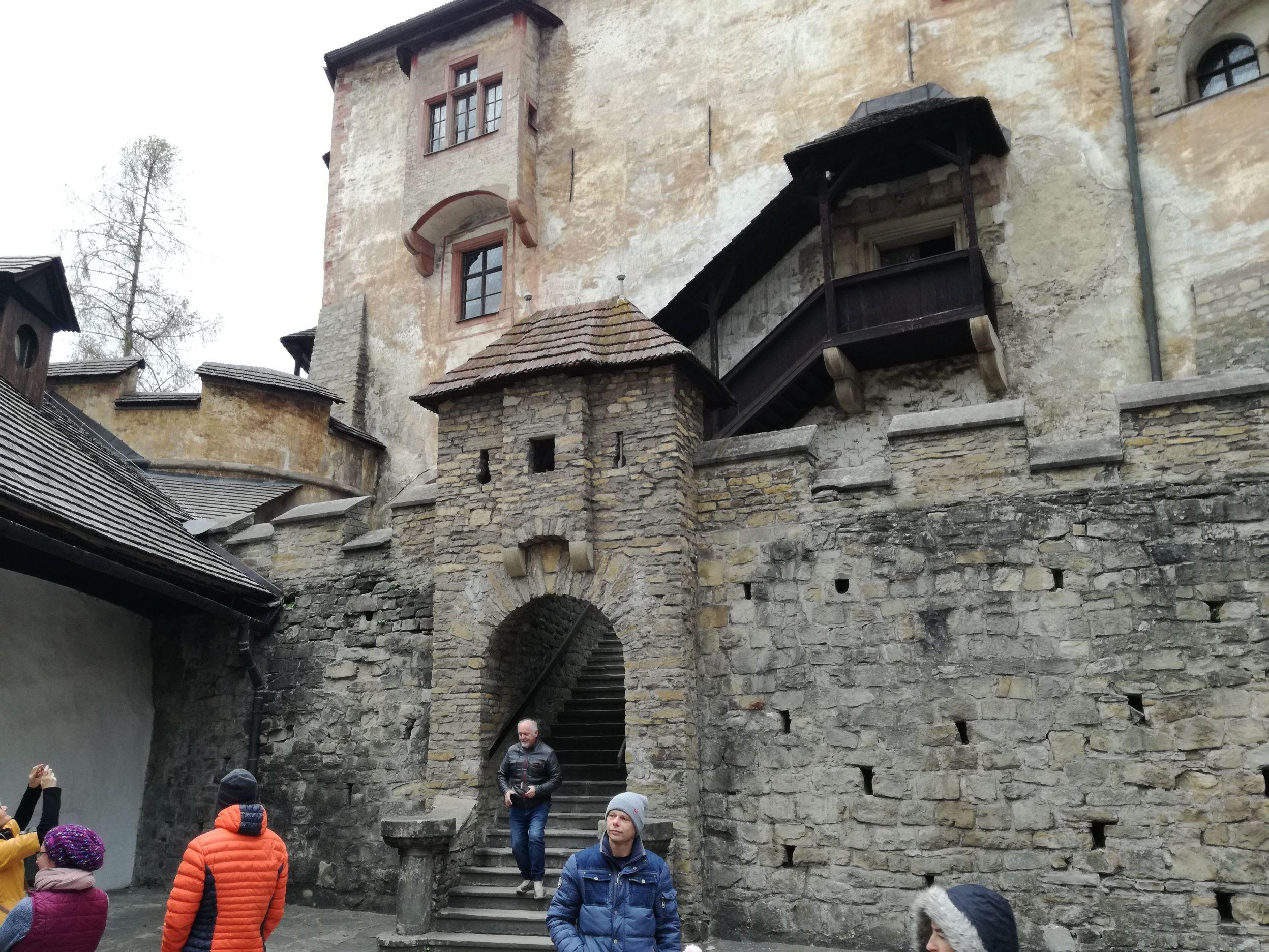 Irány a középső vár