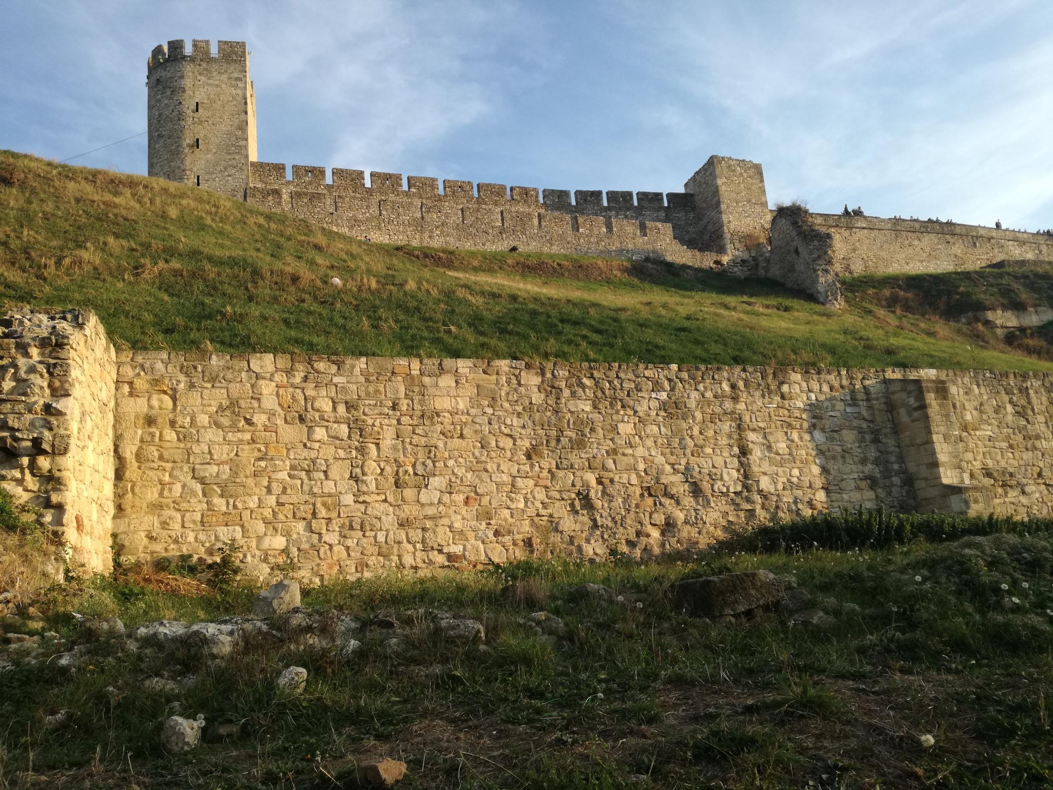 Útban a Száva felé a Felső várból