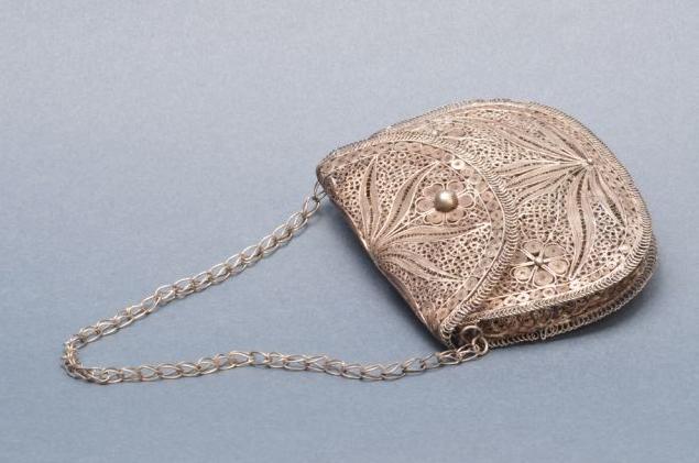 Női táska (Forrás: www.museofiligrana.org)
