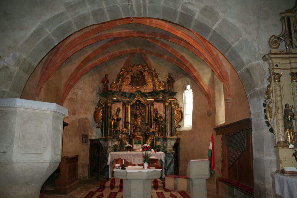 A szentély (Forrás: www.erdely-szep.hu)