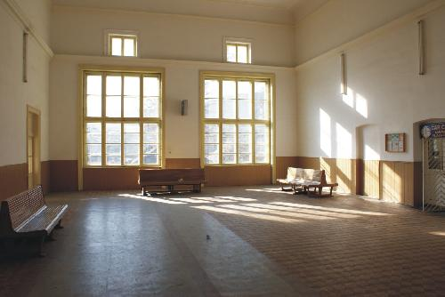 10_Az utasváró (Forrás: www.webvidek.ro)