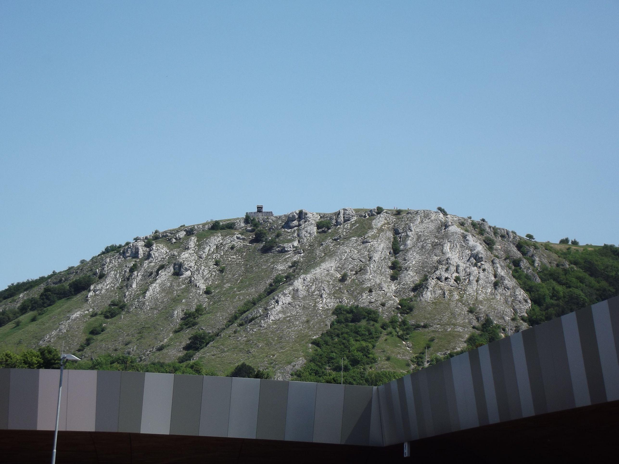 A braunsbergi kelta őrtorony a városból