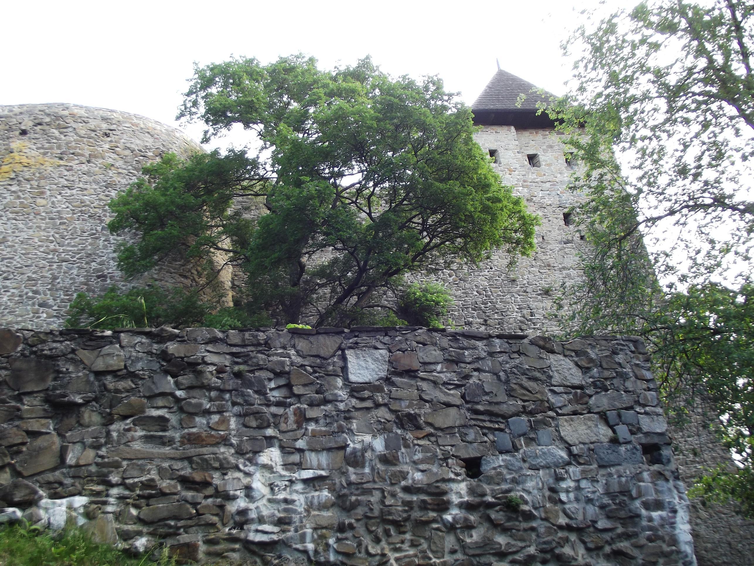 Sarokbástya, még mindig a bejárat felé