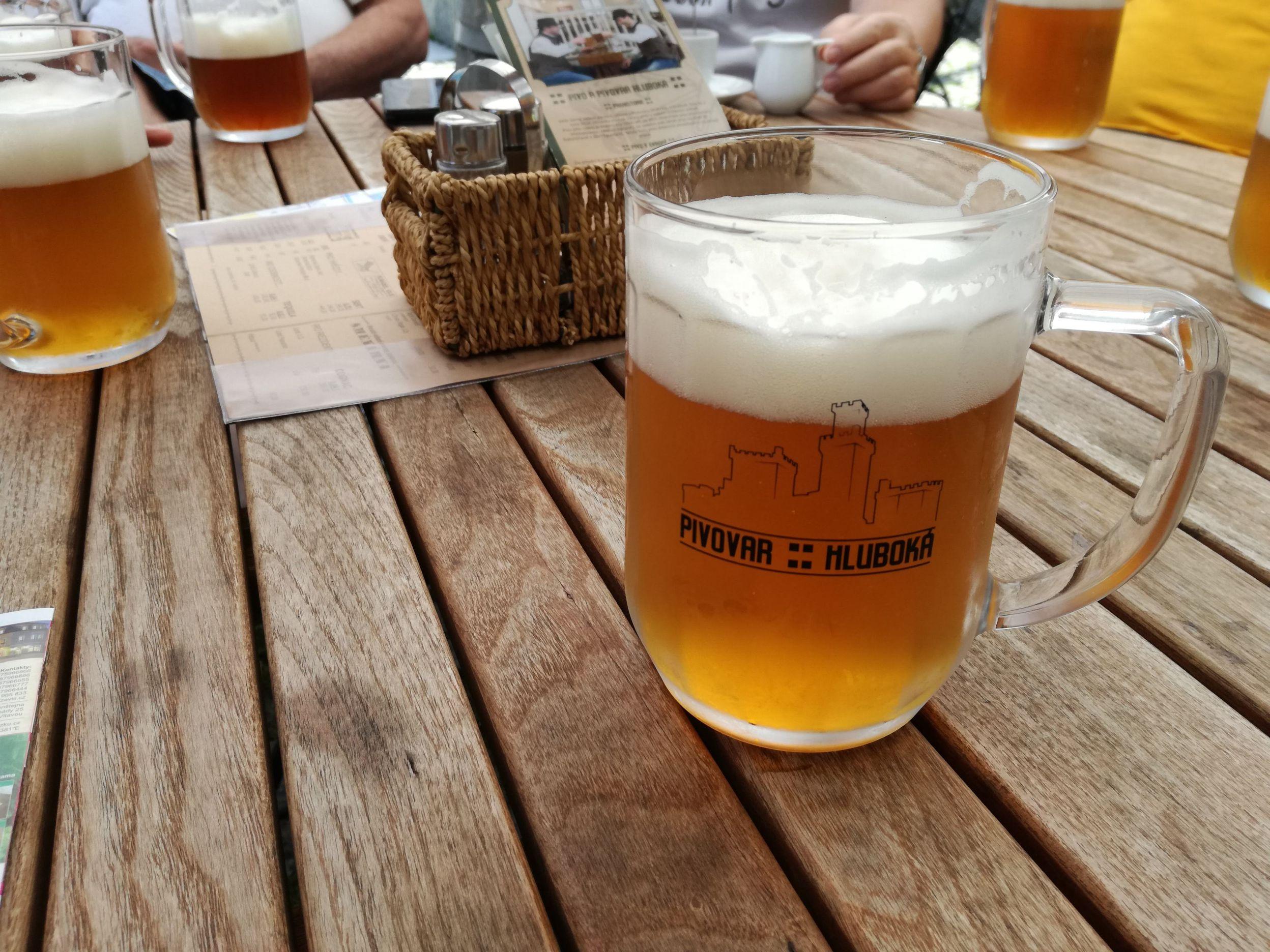 Egy korsó helyi sör