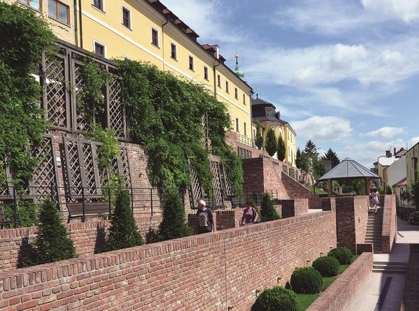 Városi teraszok (Forrás: www.ic-hk.cz)