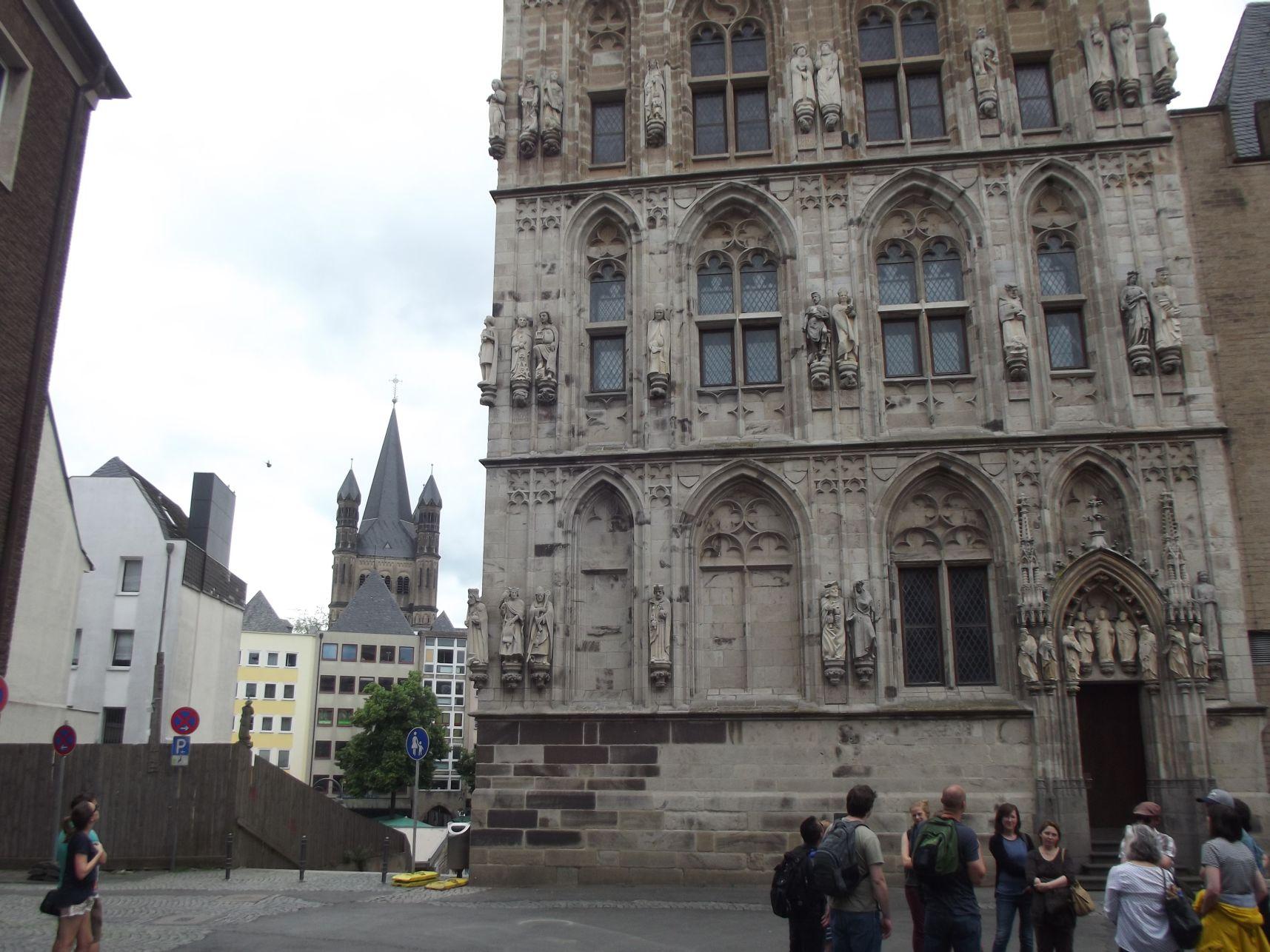 A Városháza tornya és a Szent Márton-templom
