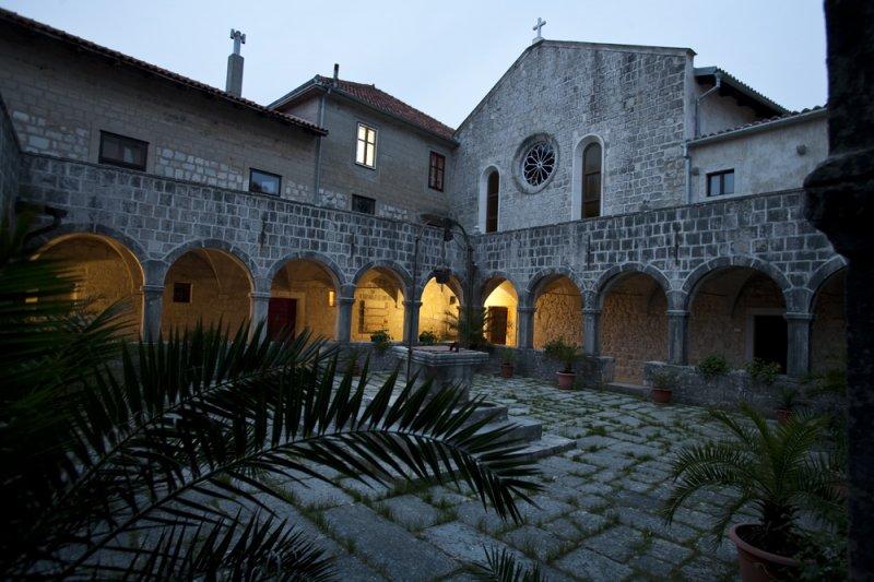 A kolostor (Forrás: www.kosljun.hr)