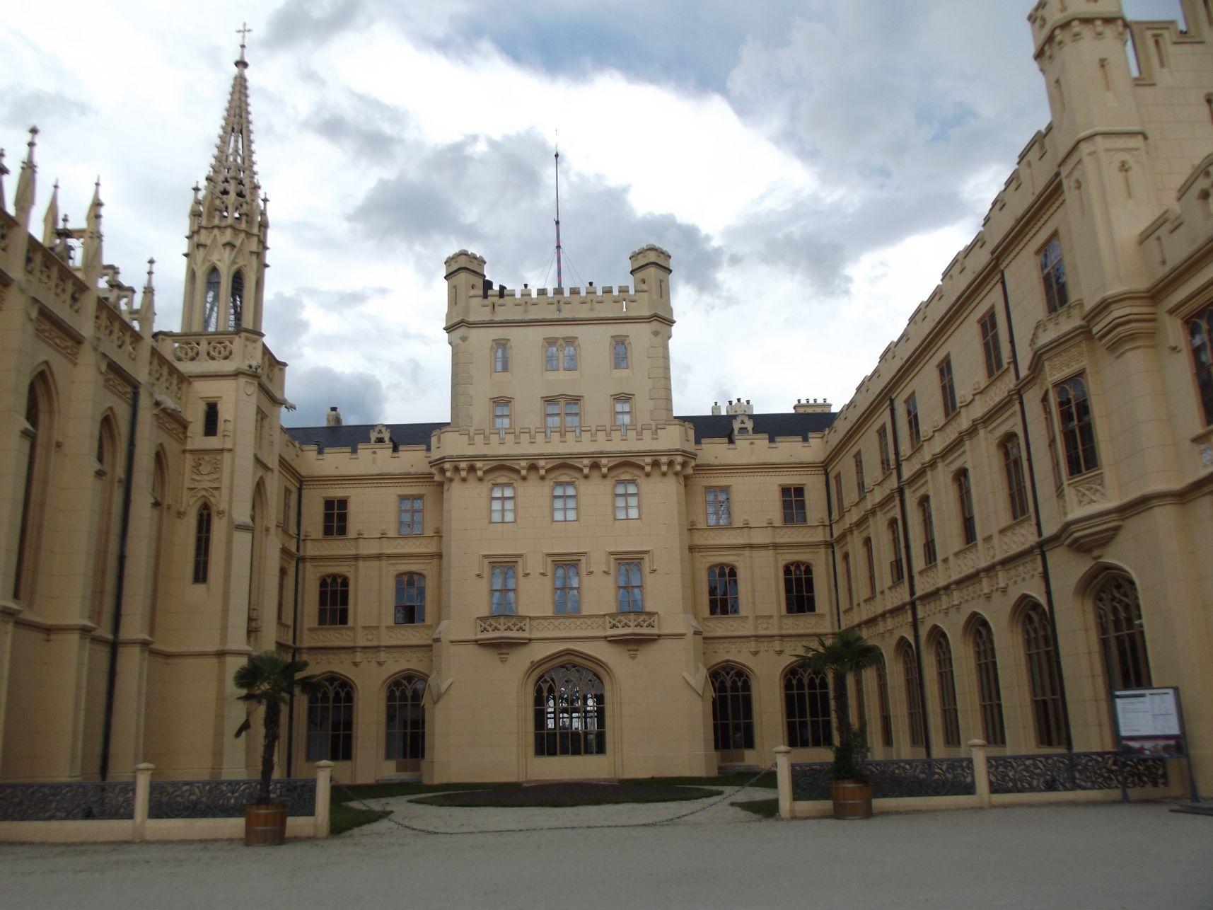 A neogótikus kastély