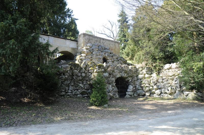 Barlang (Forrás: www.zamek-lednice.com)
