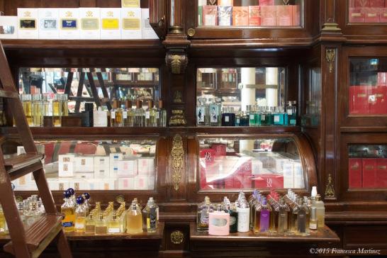 Parfüméria (Forrás: www.lovelymilano.wordpress.com)