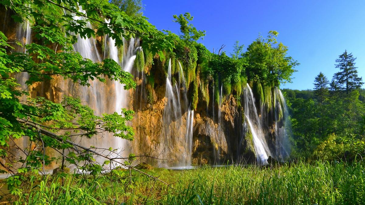 Nyáron (Forrás: www.np-plitvicka-jezera.hr)
