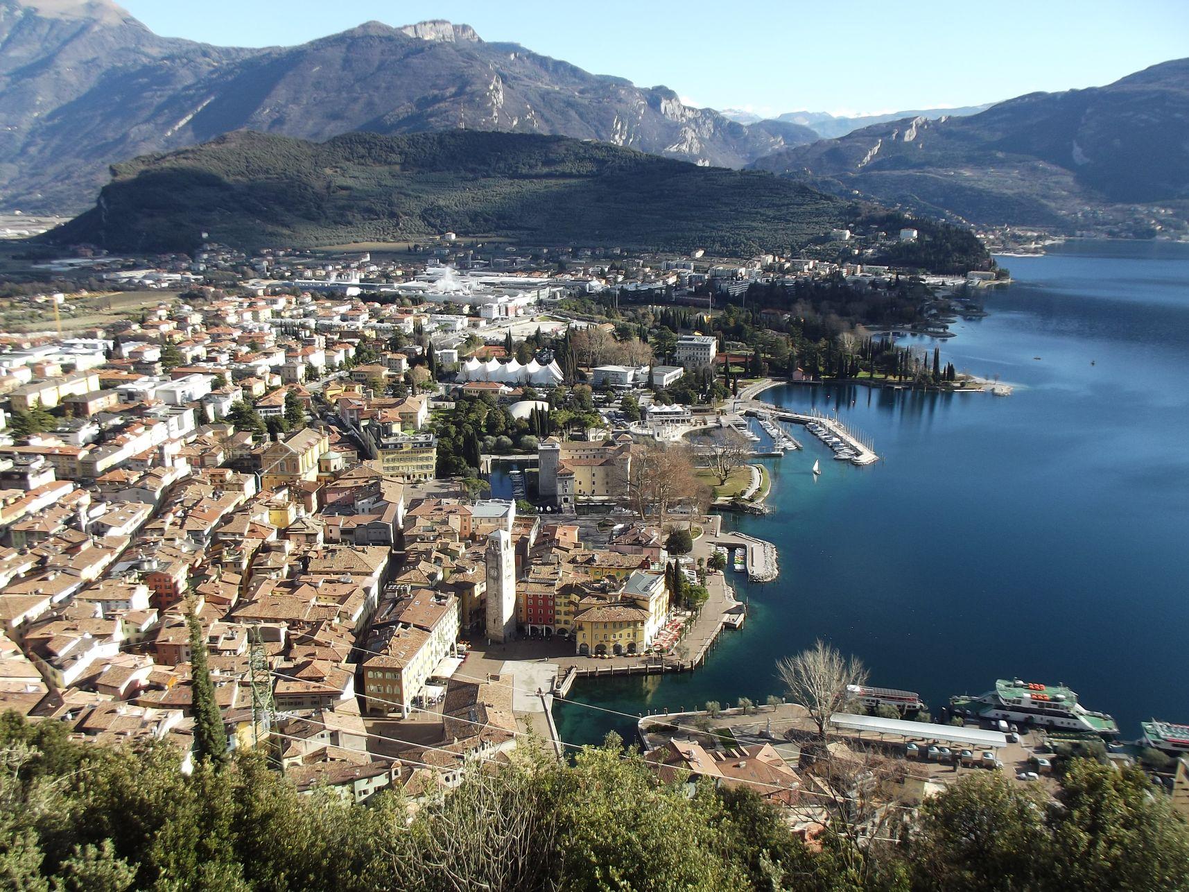 19_A város mögött a Monte Brione