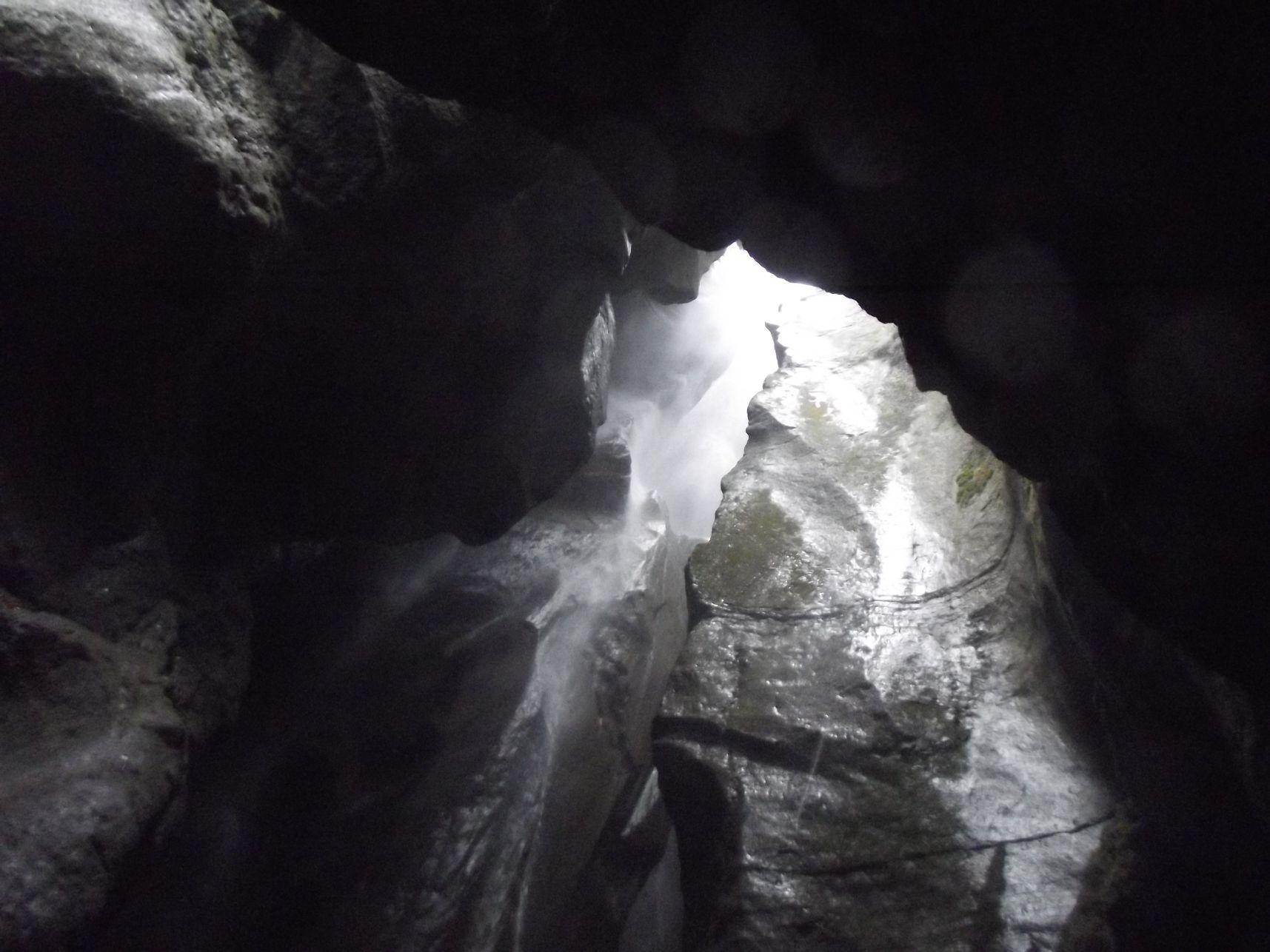 34_Vízesés, felső barlang
