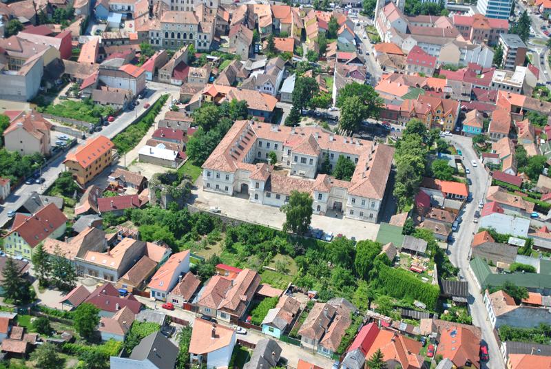 A vár légi felvétele észak-keletről Forrás: www.transindex.ro)