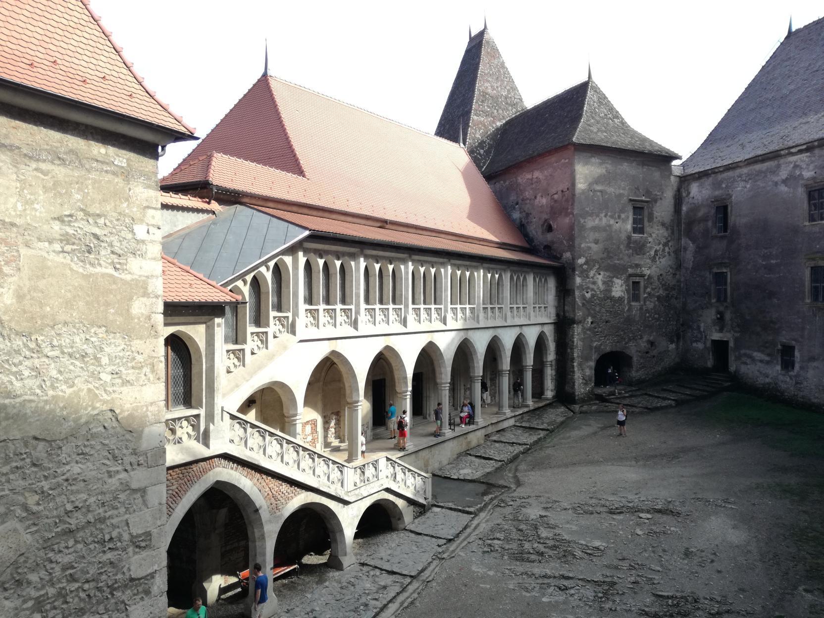 A Bethlen palota és a Királyház a Mátyás szárnyról