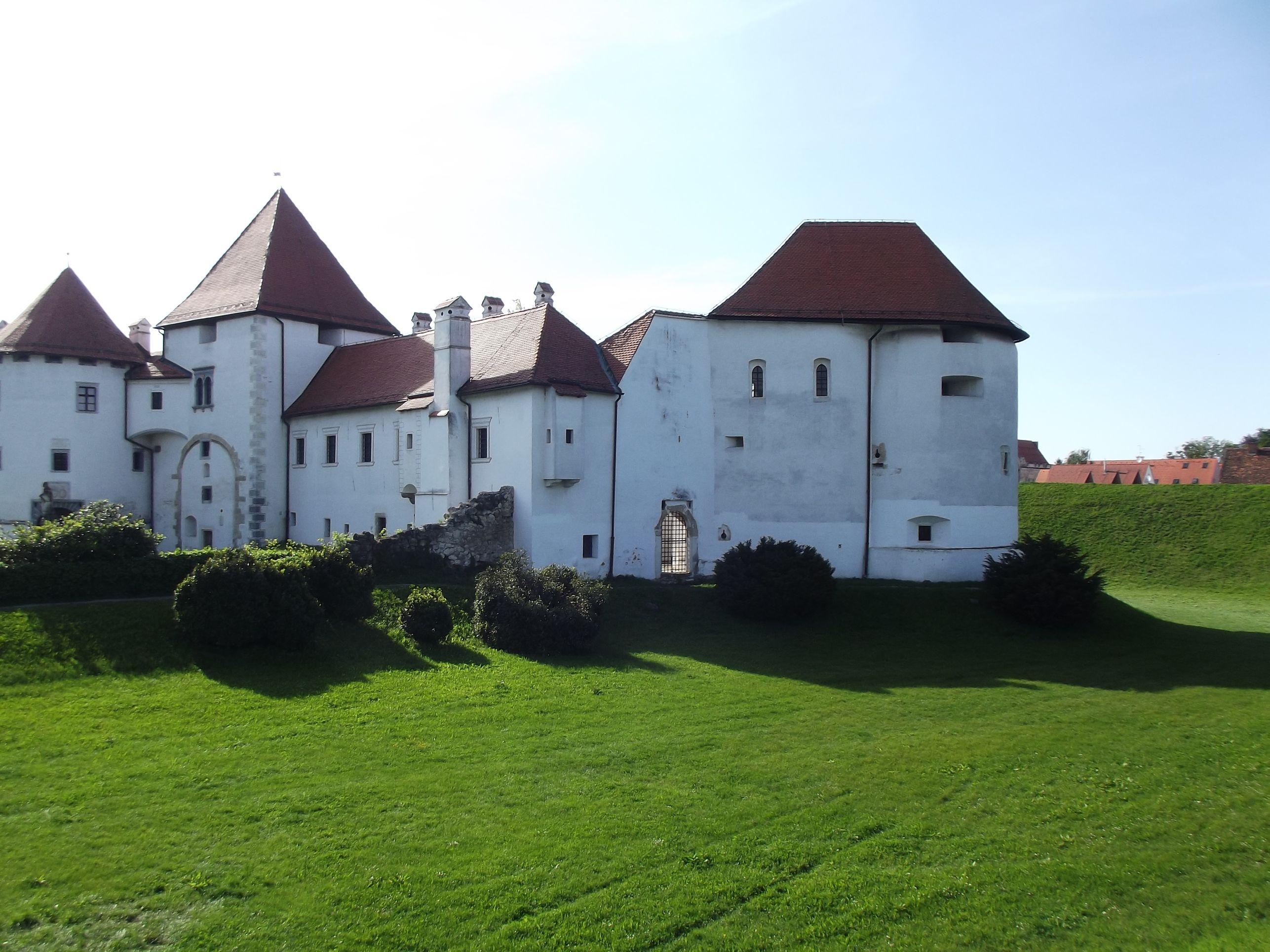 A vár nyáron