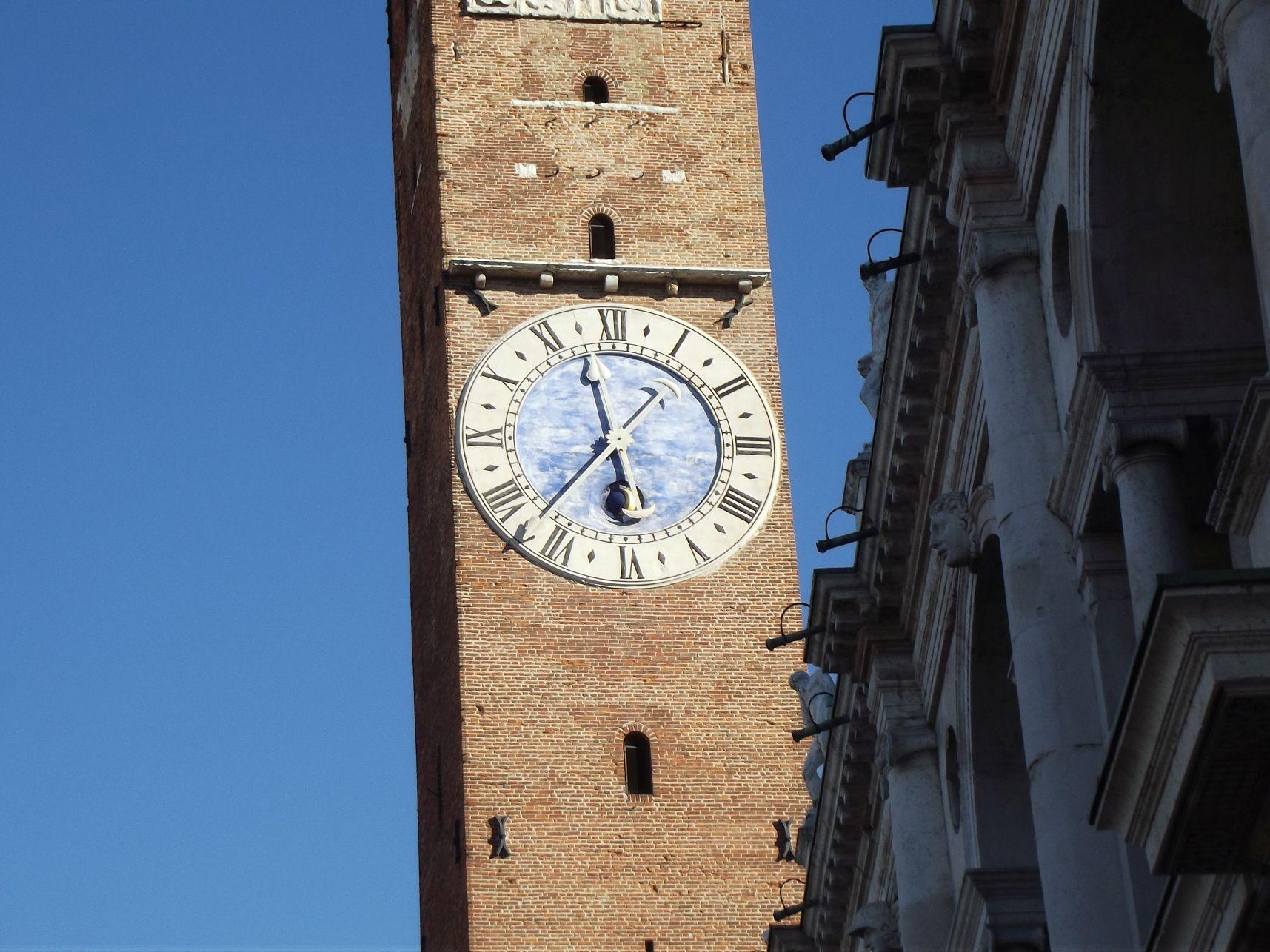 A Torre di Piazza (Bissara) órája