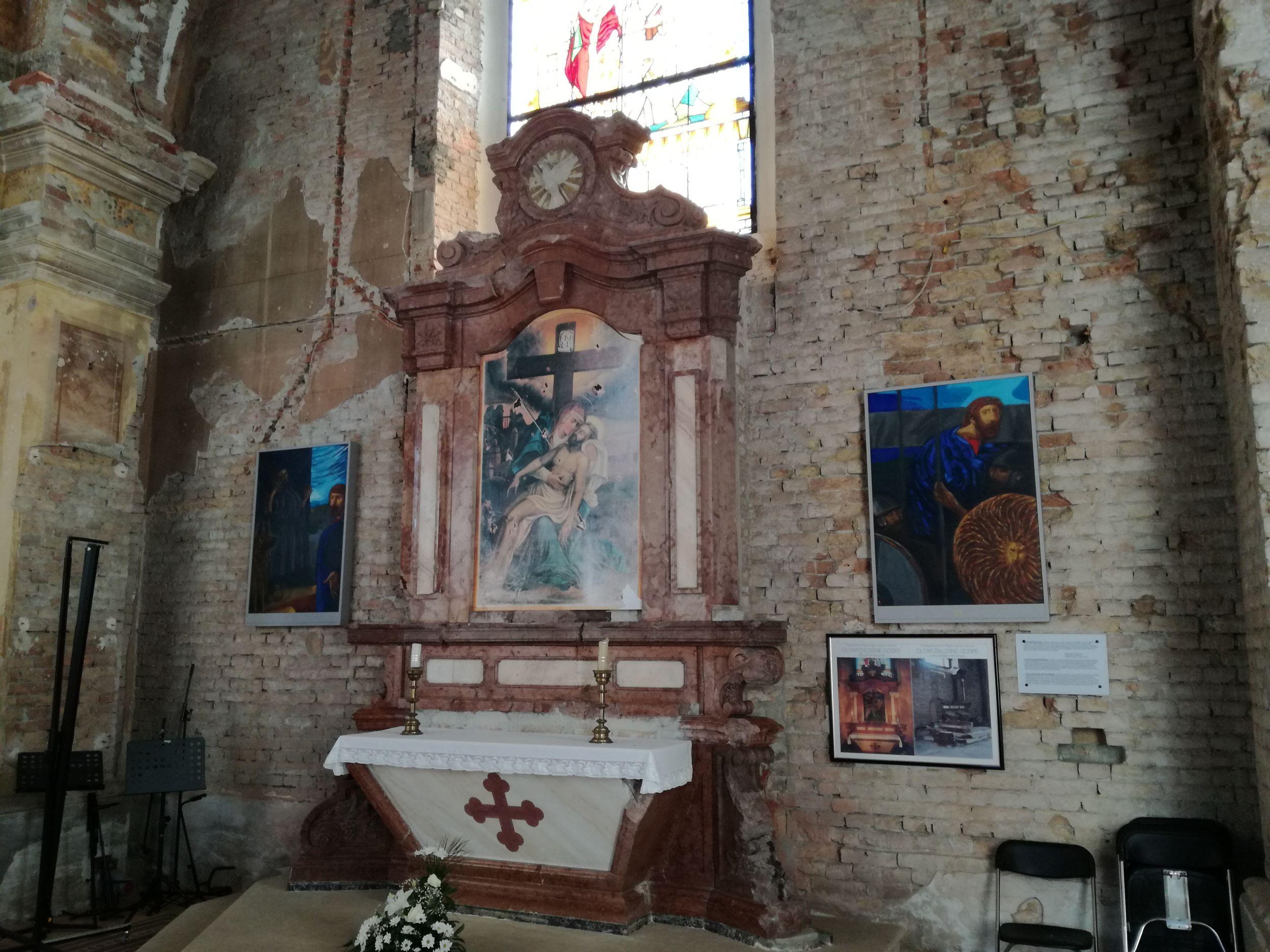 A szétvert oltár ma