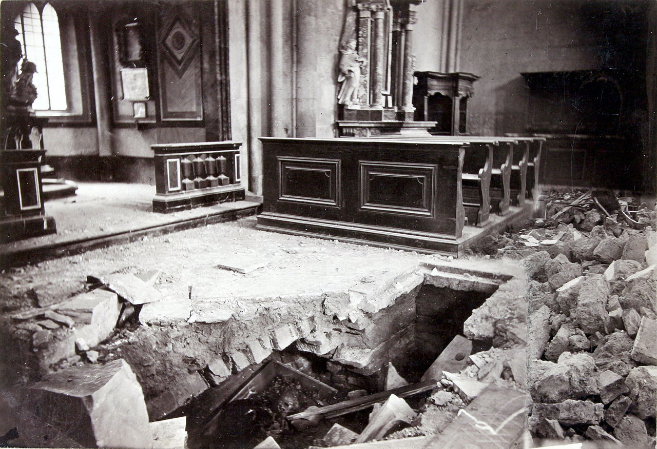 A földrengés után (Forrás: http://www.kultura.hr/var/ezwebin_site/storage/images/zbirke/fototeka-kulturne-ba%C5%A1tine/potres-1880.-g/zagreb/12972-1-cro-HR/Zagreb.jpg)