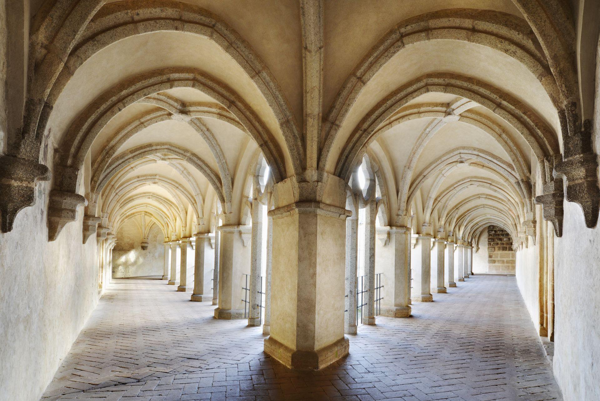 Az első emeleti folyosó (Forrás: www.hrad-zvikov.eu)