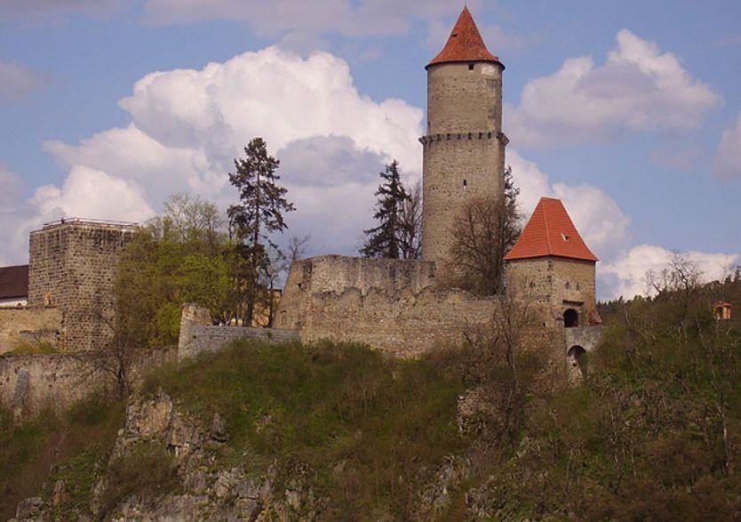 Zvíkov az Otaváról (Forrás: www.lodnidopravaorlikslapy.cz)