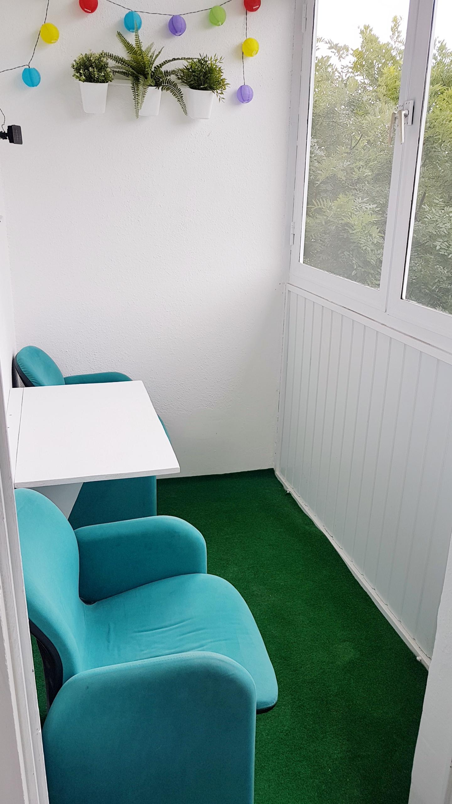 Barkácsoljunk lehajtható asztalt erkélyre