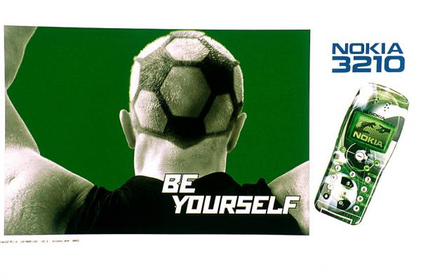 nokia-3210-football-small-72086_2000.jpg