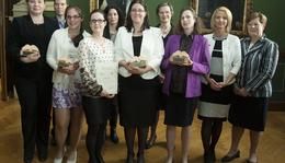Biotechnológiától az űrtevékenységig - magyar kutatónőket díjaztak
