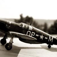 MAKETT: P-51B Mustang