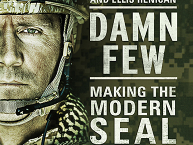 KÖNYV: Damn Few: Making the Modern SEAL Warrior (Rorke Denver)