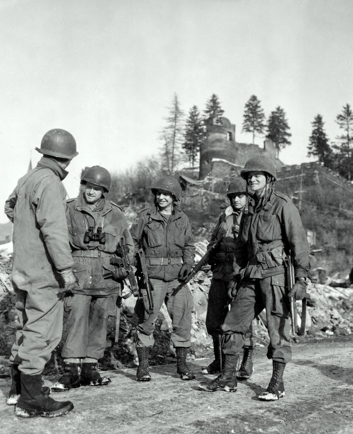 507th airborn in the bulge la roche.jpg