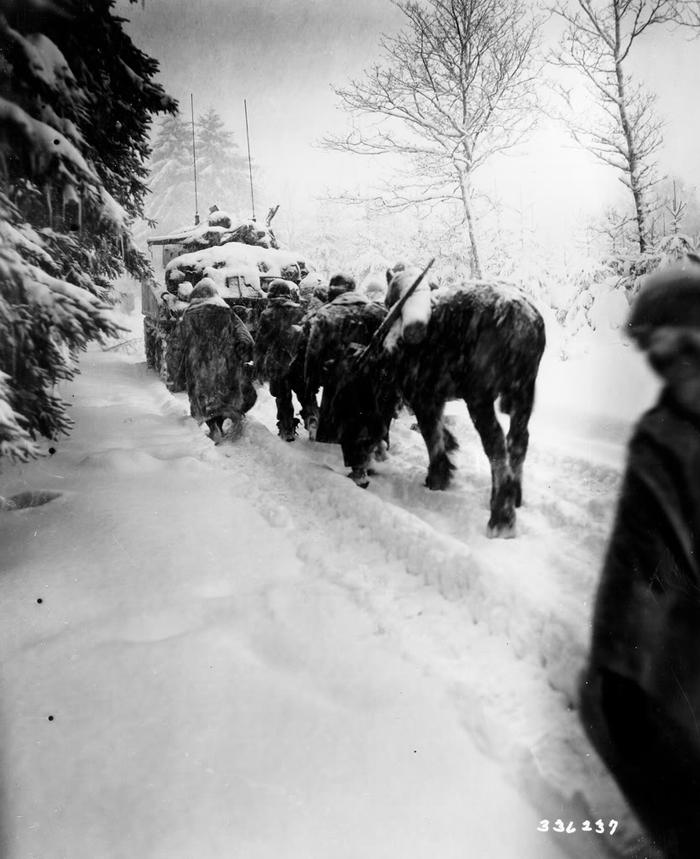 82airborne snowstorm to attack Herresbach BE 28 Dec 1944.jpg