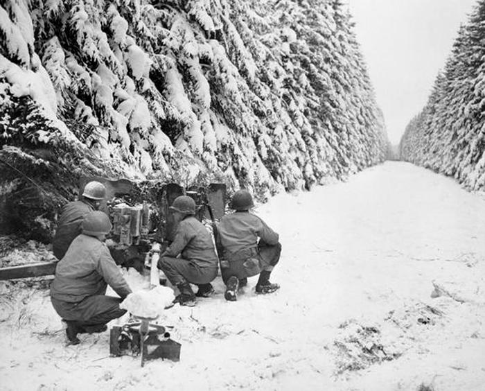 83rd inf anti-tank gun near revigny belgium.jpg