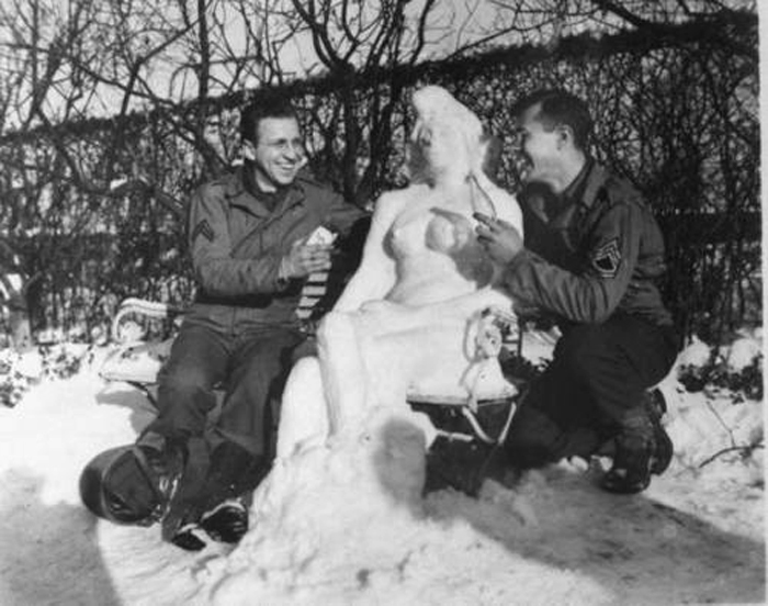 cpl butnik sgt goodbar w agnes snow woman 14 jan 1945.jpg