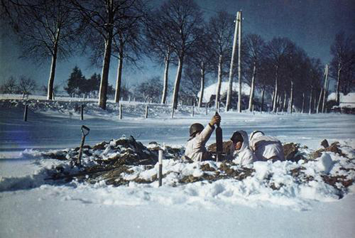 us mortar in st vith area jan 1945.jpg