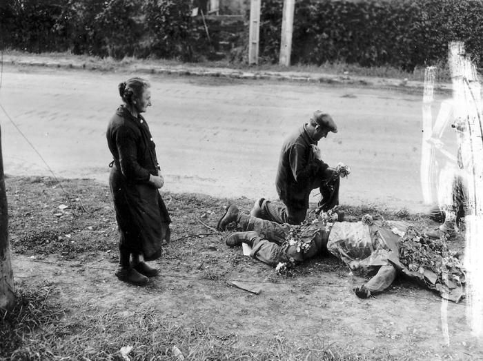 American dead in Carentan.jpg