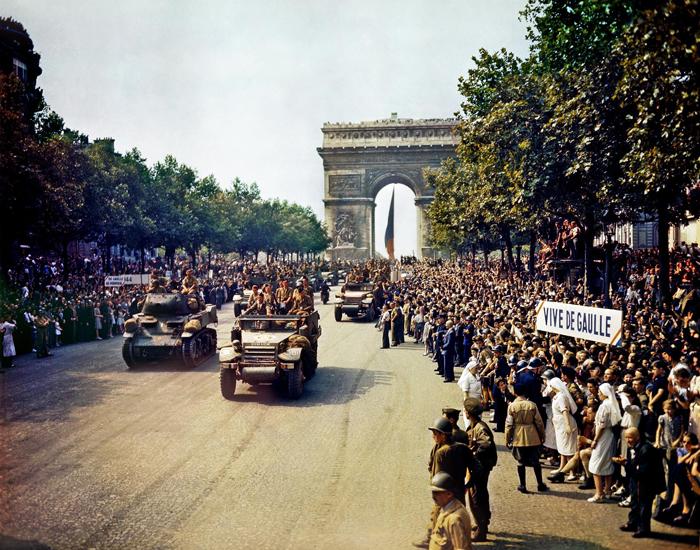 champs elysees 1944.jpg