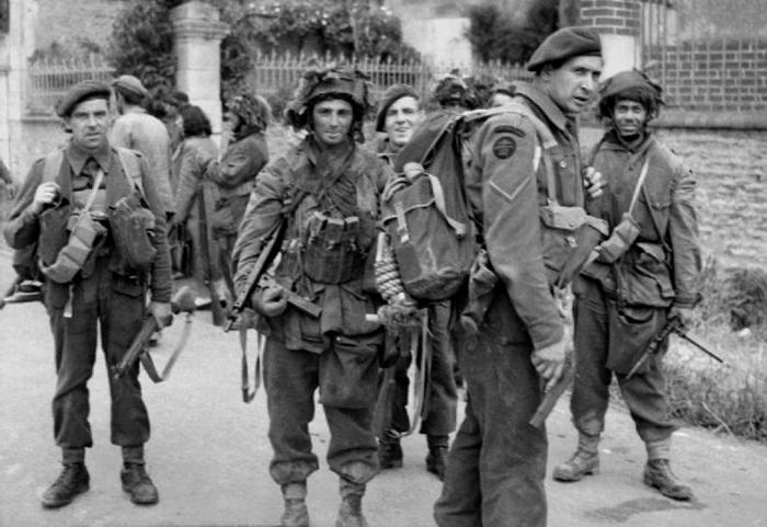 British-Paras-D-Day.jpg