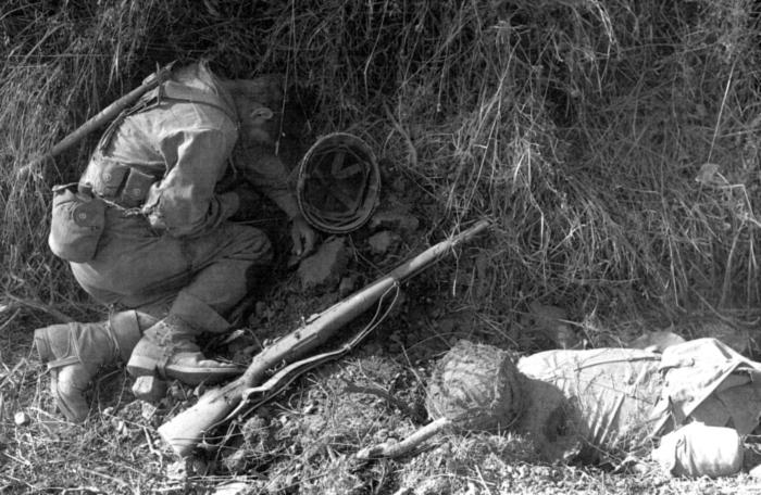 Amerikai_halottak_1944Normandia.jpg