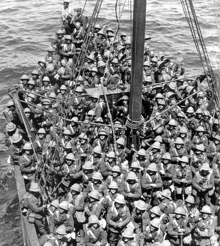 lancashire_fusiliers_boat_gallipoli_may_1915.jpg
