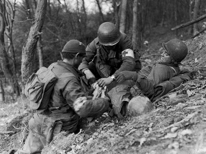 hurtgen wounded american.jpg