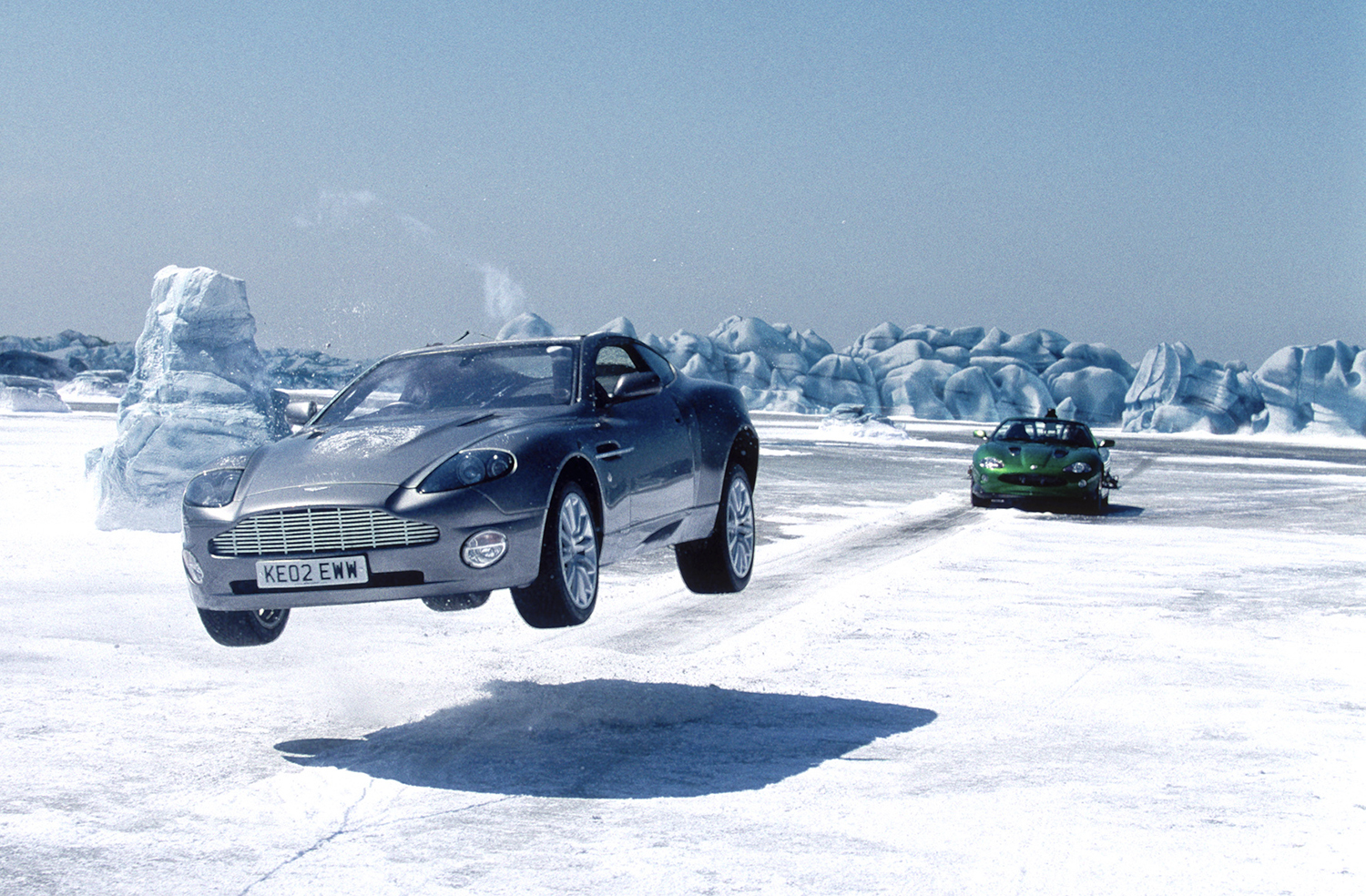die_another_day_promo_ice_chase.jpg
